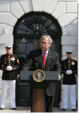 President Bush honors military spouses on the South Lawn of the White House at a ceremony celebrating Military Spouse Appreciation Day 2008