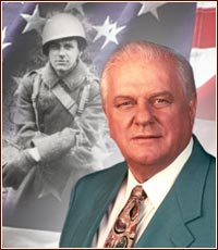 guy recognize story Charles Durning military